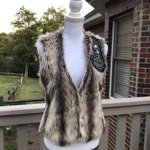 Buckle Daytrip Faux Fur Women's Vest Size M